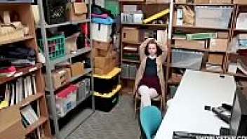 แอบเย็ด เย็ดในห้องเก็บของ เย็ดสด เย็ดพนักงาน เย็ดฝรั่ง