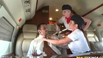 เลียควย เย็ดหี เย็ดบนเครื่องบิน เย็ดท่ายาก อมควย